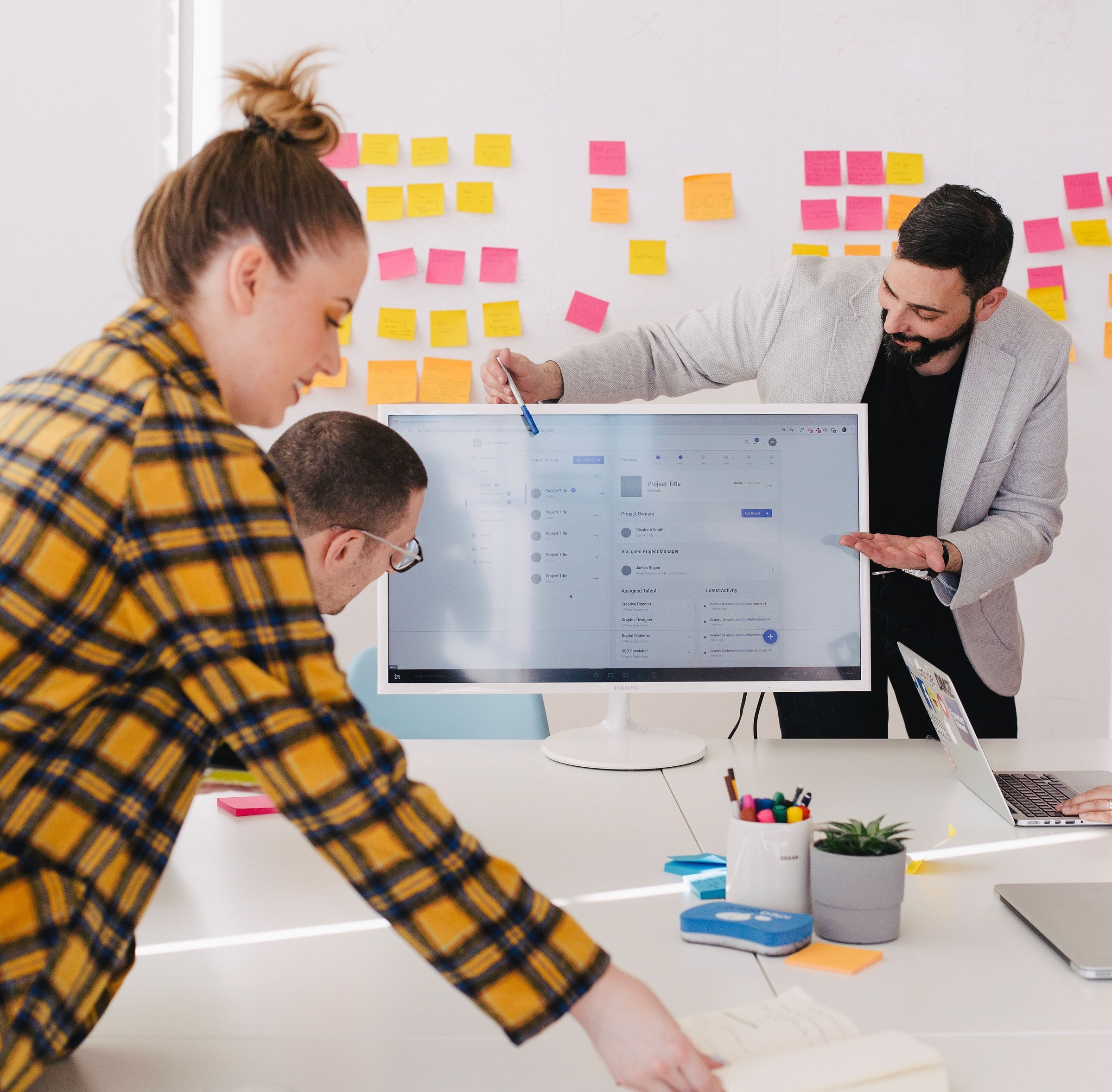 We work directly with your team to condense months of brainstorming, market research, and product design into a four-day sprint.